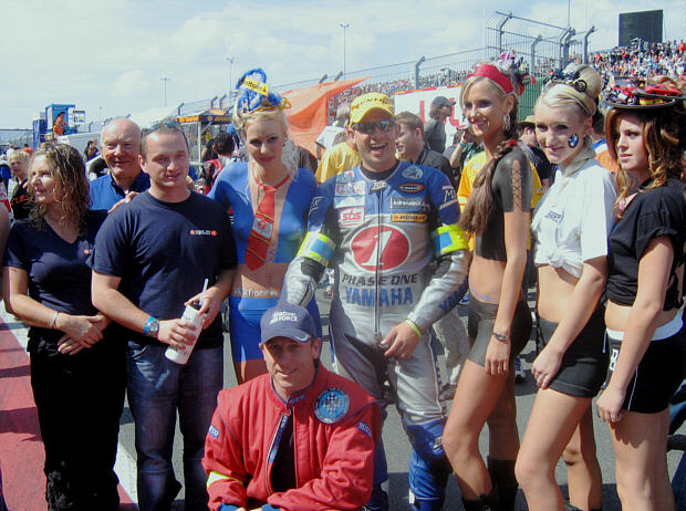 MW with Sam, Terry, Alec, Damien R and some models at the Oscherleben start procedure 2006